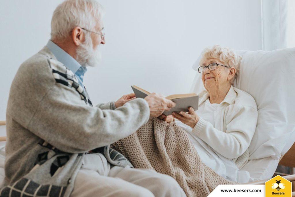 Bătrânii singuri şi accidentele casnice. Cum să ai grijă de cei dragi de acasă